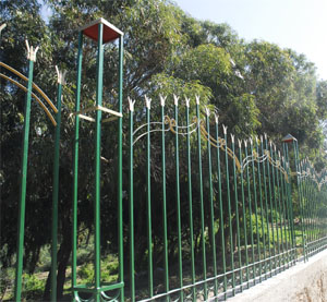"Ironbars reinforces the ""green belt"" wall"